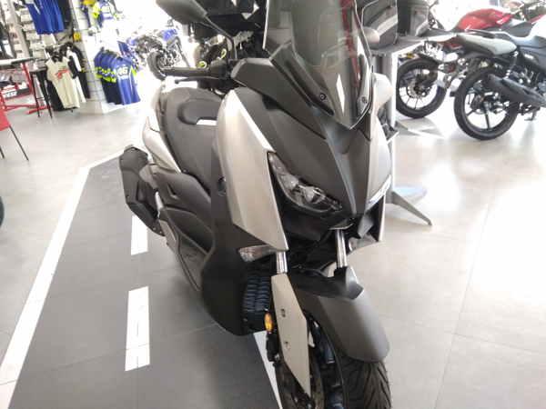 Novedad Yamaha XMAX 400 2018 en VFerrer Gandia