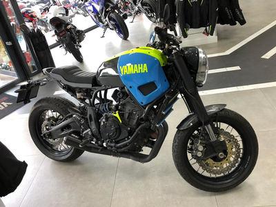 Yamaha XSR 700 transformada
