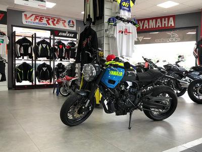 Yamaha XSr 700 transformada ADHOC