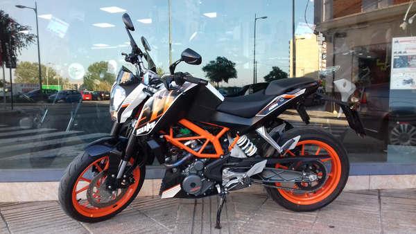 KTM 390 Duke moto usada en VFerrer