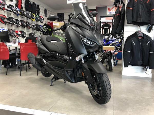 Yamaha XMAX 400 IRON MAX del 2019 en VFerrer Alzira