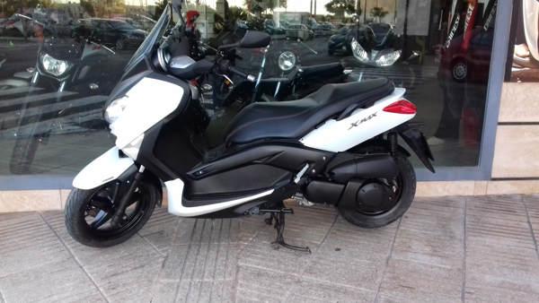 YAMAHA X-MAX 250 ABS scooter usada en VFerrer