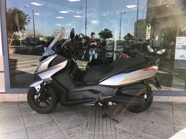 KYMCO Super Dink 125i scooter usada en VFerrer