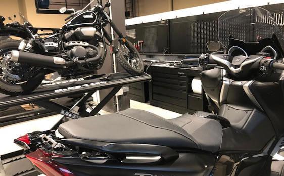 Encuentra los recambios que necesites para tu moto y disfruta del servicio del taller oficial Yamaha