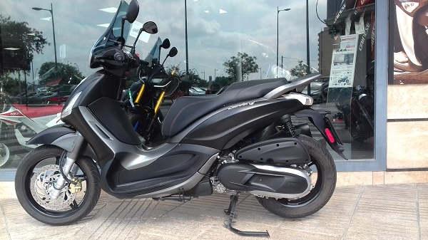 Piaggio Beverly Sport Tourer 350 ABS del 2018 negra moto usada de ocasionen VFerrer